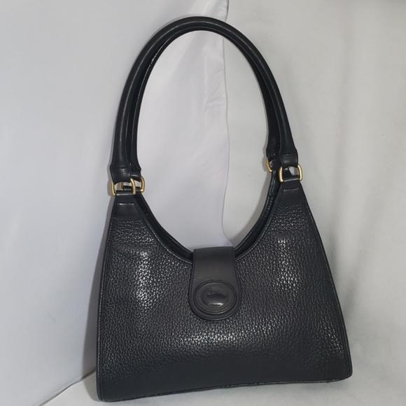Dooney & Bourke Handbags - Dooney & Bourke Shoulder Bag Tote